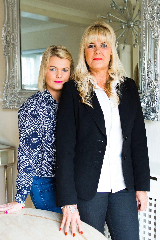 Leanne Oakham con su madre Debbie