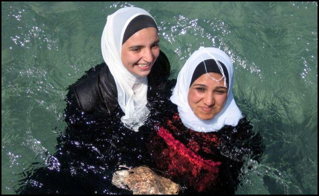 large_Muslim-chica-no-puede-skip-clase de natación.