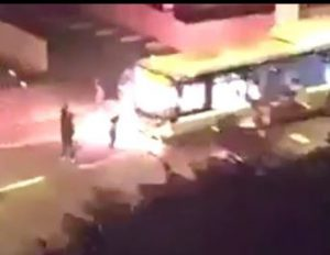 bus-bomba incendiaria-paris