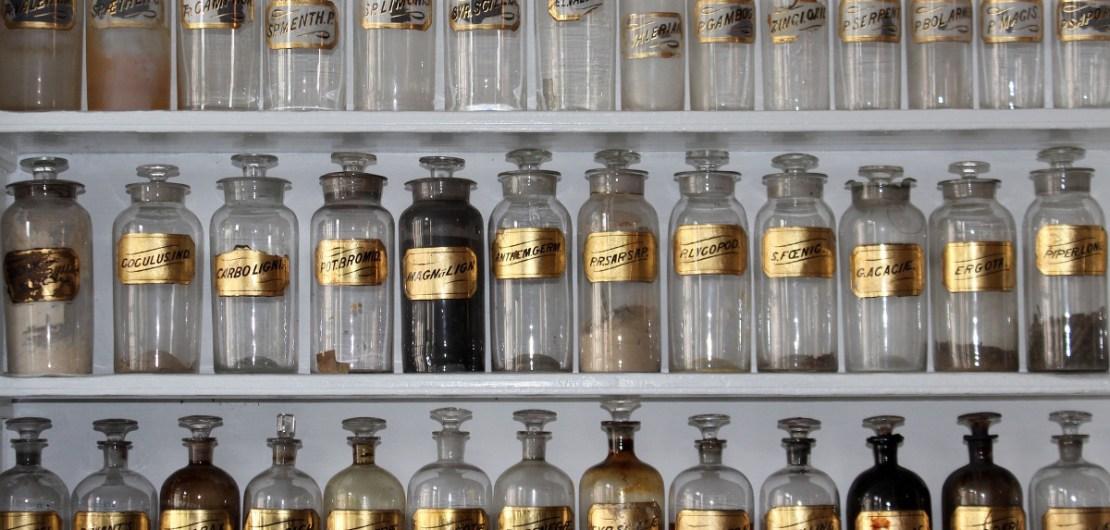 Apotekares flaskor