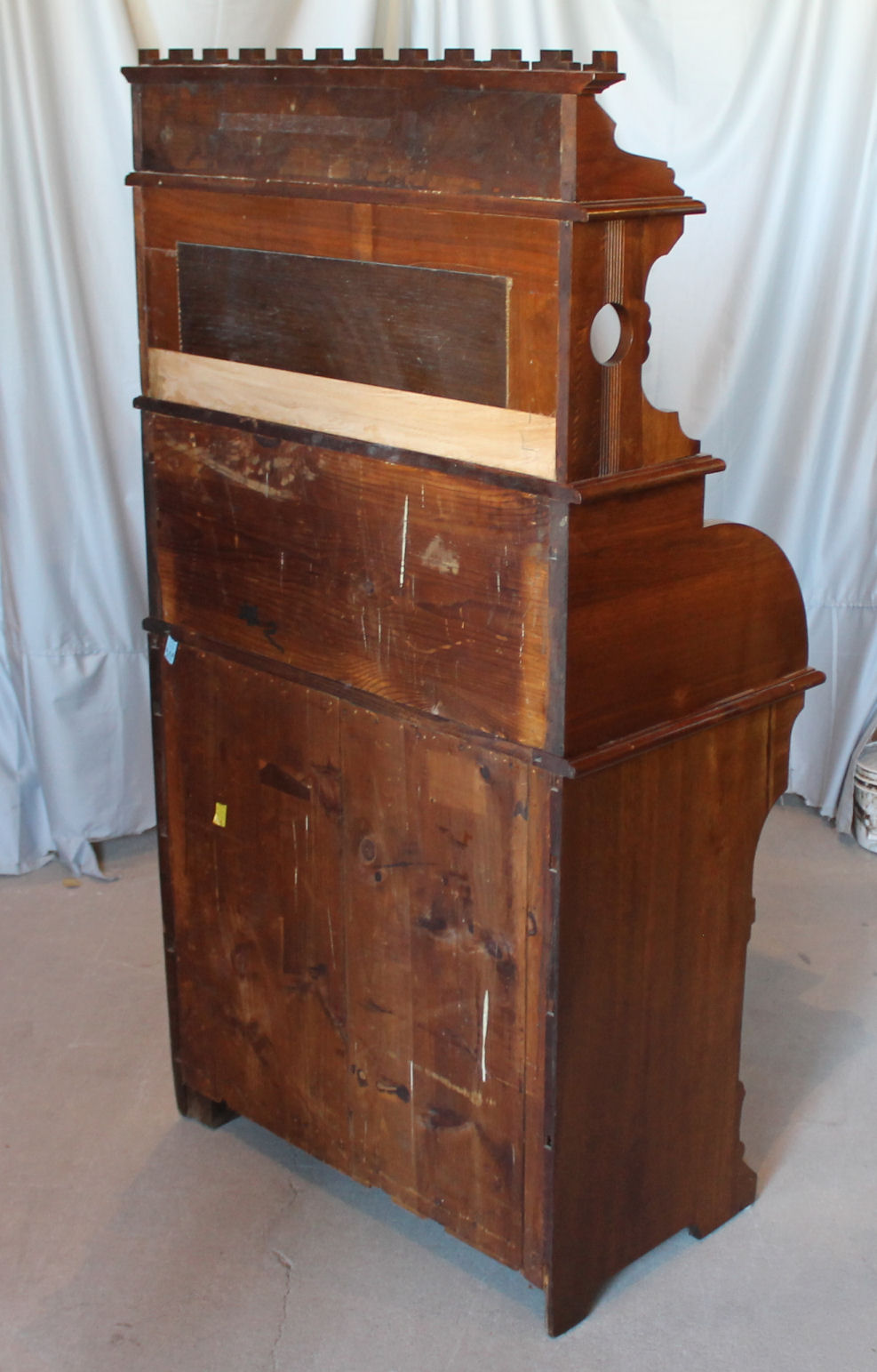 Bargain Johns Antiques  Victorian Antique Walnut