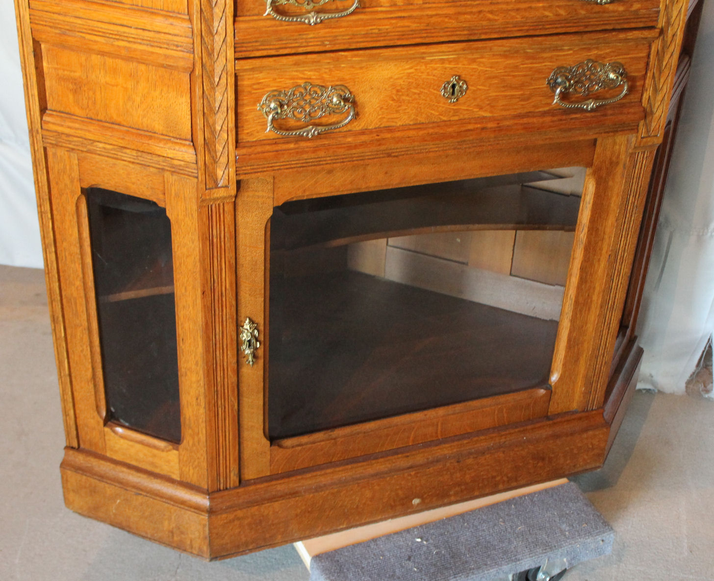 Bargain Johns Antiques  Victorian Two Piece Oak Corner