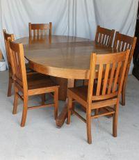 Bargain John's Antiques | Antique Mission style Round Oak ...