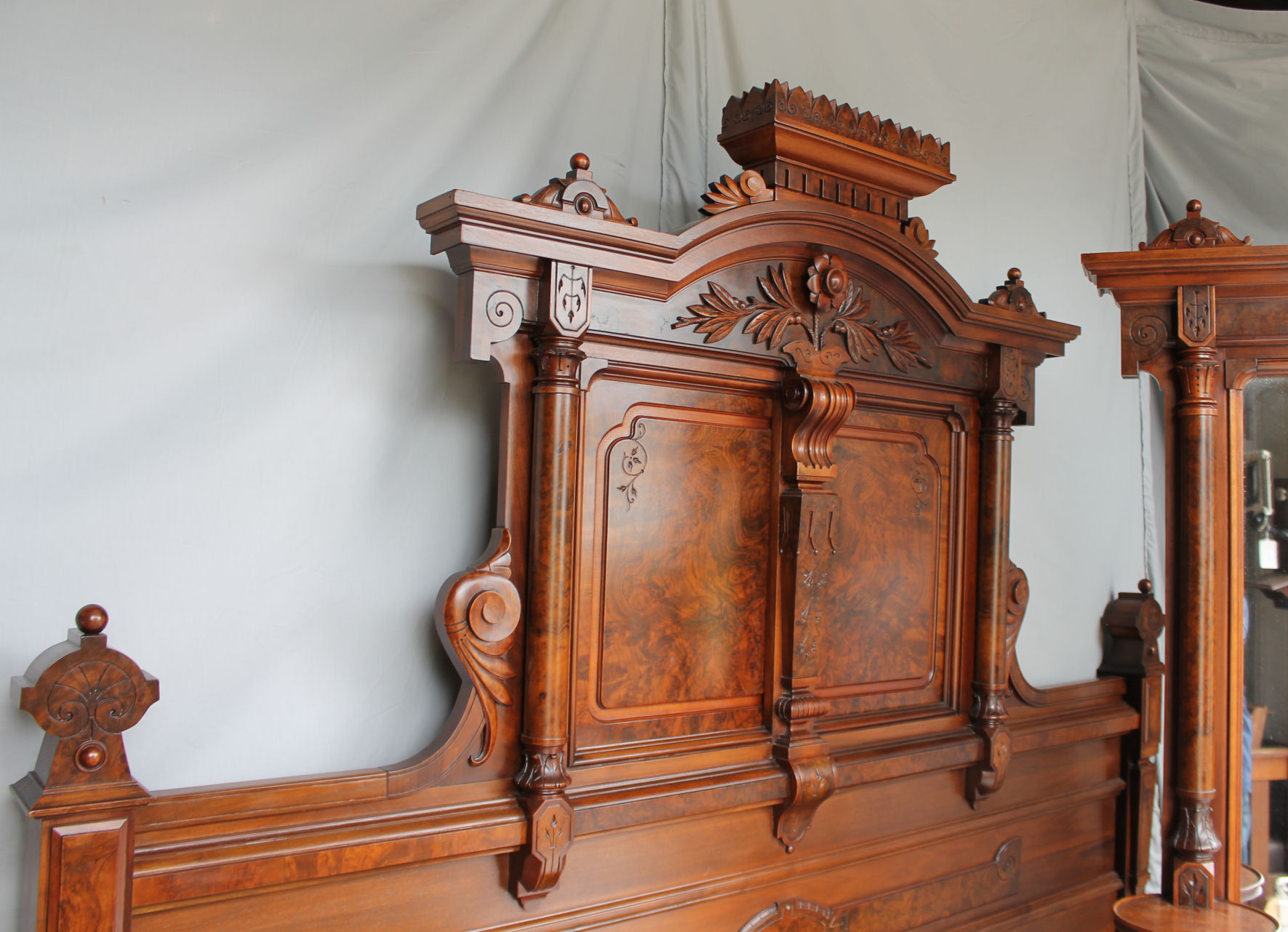 Bargain Johns Antiques Antique Victorian Walnut Bedroom