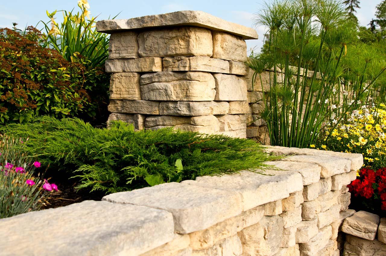 Rosetta Belvedere Wall with Rosetta Belvedere Pillar