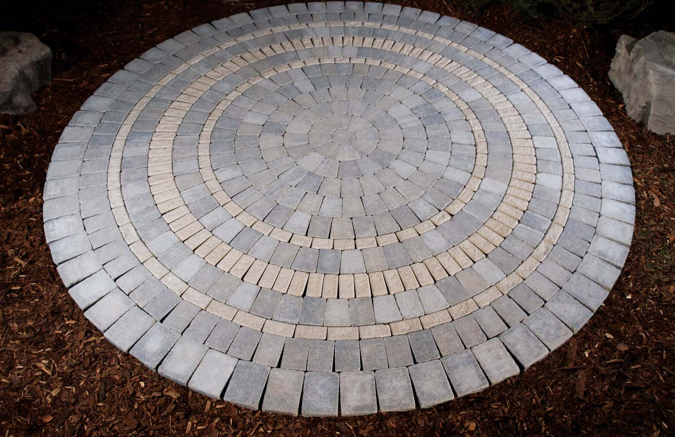 Stone Oasis Circle Patio with Border