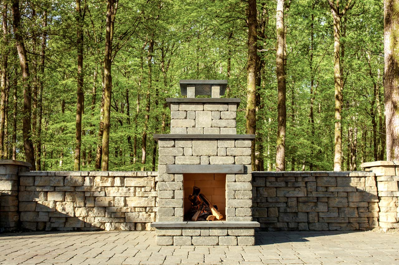 Stone Oasis Compact Fireplace with Rosetta Belvedere Wall