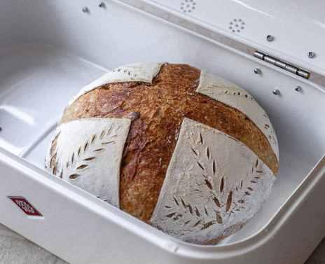 Storing bread in Wesco Bread Box