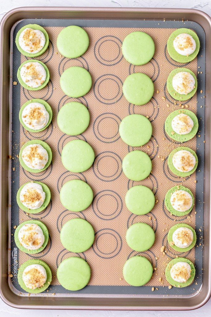 key lime pie macarons after piping filling