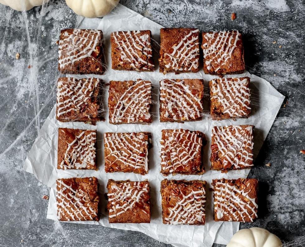 pumpkin blondies with icing spider webs
