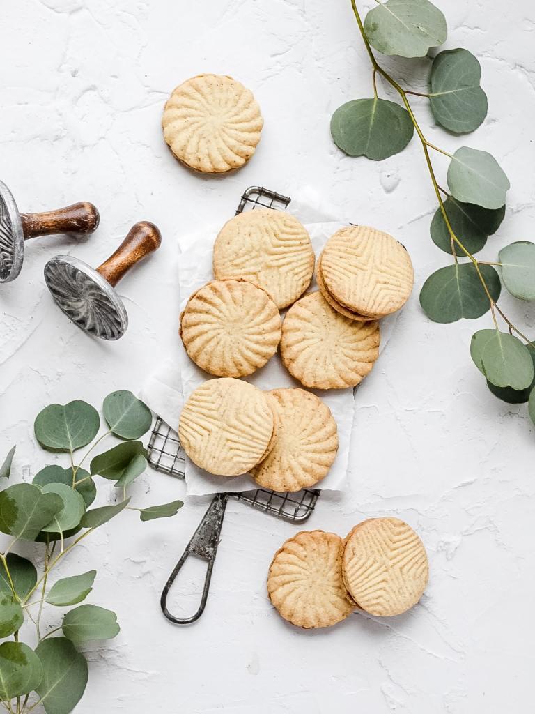 brown butter maple sandwich cookies