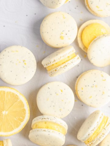 lemon poppy seed macarons