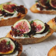 close up shot of fig and bacon jam crostini