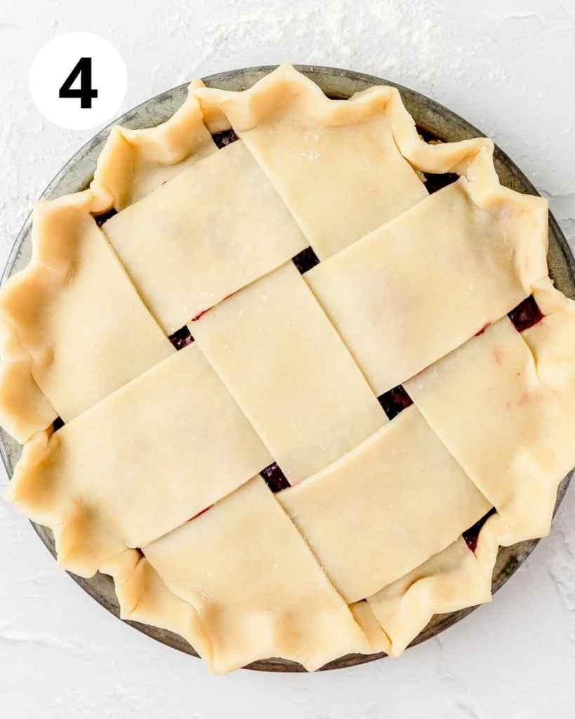 lattice pie crust dough with crimped edges