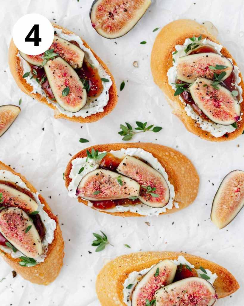 sliced figs and thyme on crostini