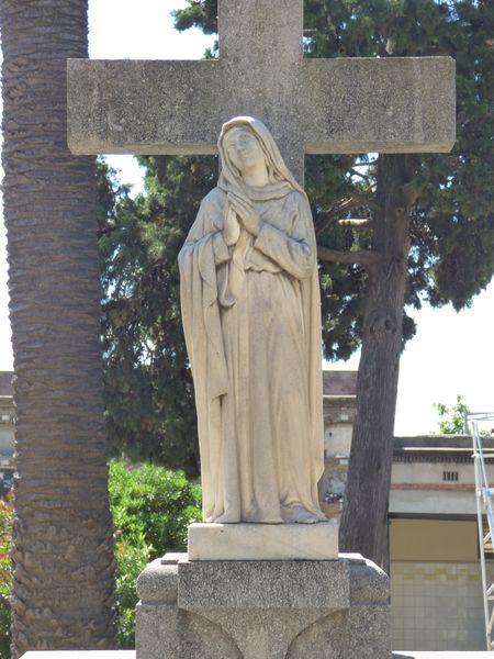 Dama rezando