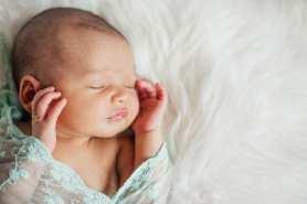 Kelowna-Newborn-Photographers-Barnett-Photography-1