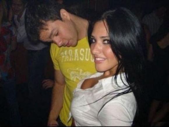 staring_at_boobs_640_101-588x441