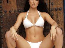 Hottest Photos of Amanda Cerny - Barnorama