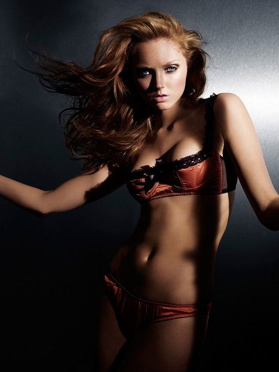 Real Wallpaper Girl Hottest Photos Of Lily Cole Barnorama