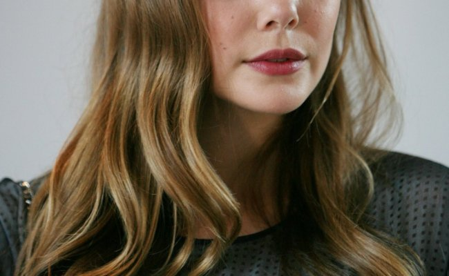 Hot Elizabeth Olsen Boobs Barnorama