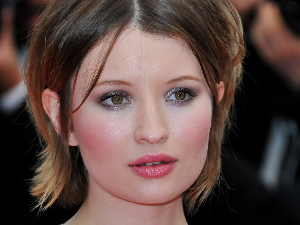 Cute Lips Wallpaper The Hottest Emily Browning Photos Around The Net Barnorama