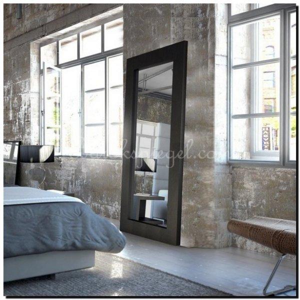Grote zwarte spiegel als woonaccessoire  barokspiegel