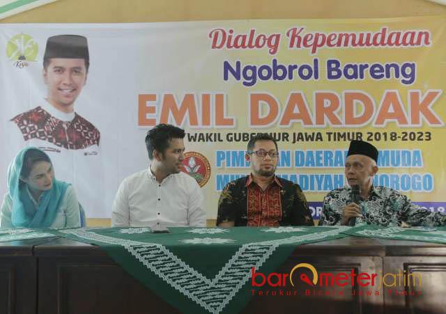 EMIL-MUHAMMADIYAH: Cawagub Emil Dardak saat acara dialog di kantor PD Muhammadiyah Ponorogo, Rabu (30/5). | Foto: Barometerjatim.com/ROY HASIBUAN