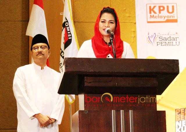PILIH TAK HADIR: Pasangan Saifullah Yusuf-Puti Guntur Soekarno, malam nanti tak menghadiri penetapan yang digelar KPU Jatim.   Foto: Barometerjatim.com/ABDILLAH HR