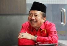 SOROTI PEMKOT: Bambang DH, Persebaya tanpa kandang tetap untuk berlatih justru Pemkot Surabaya yang dirugikan. | Foto: Barometerjatim.com/WIRA HARLIJADI
