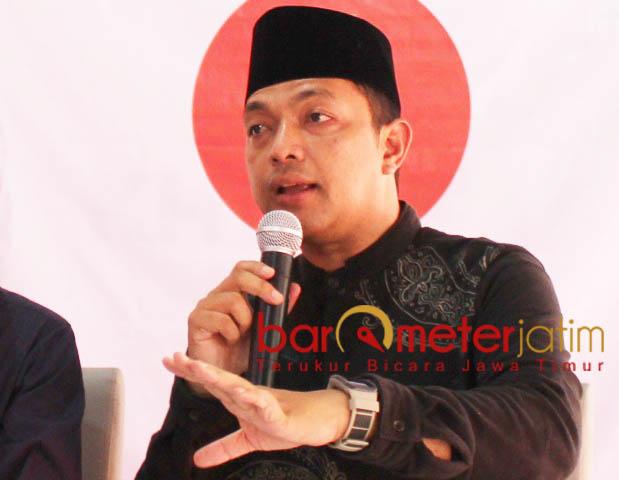 KHOFIFAH-EMIL DUKUNG JOKOWI: Gus Hans, Emil Dardak berseiring dengan Khofifah mendukung Jokowi-Ma'ruf Amin di Pilpres 2019.   Foto: Barometerjatim.com/ROY HASIBUAN