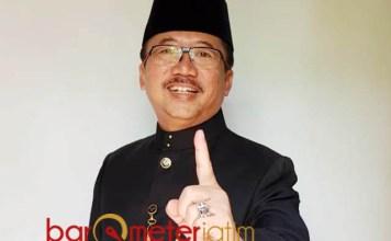 TETAP BERPIKIR POSITIF: Bambang DH mengajak masyarakat Jatim tetap berpikir positif di tahun politik.   Foto: Barometerjatim.com/WIRA HARLIJADI