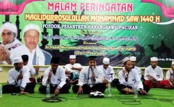 MAULID NABI: Peringatan Maulid Nabi Muhammad Saw di Ponpes Karangsawo, Paciran, Lamongan, Jumat (9/11) malam.   Foto: Winnie