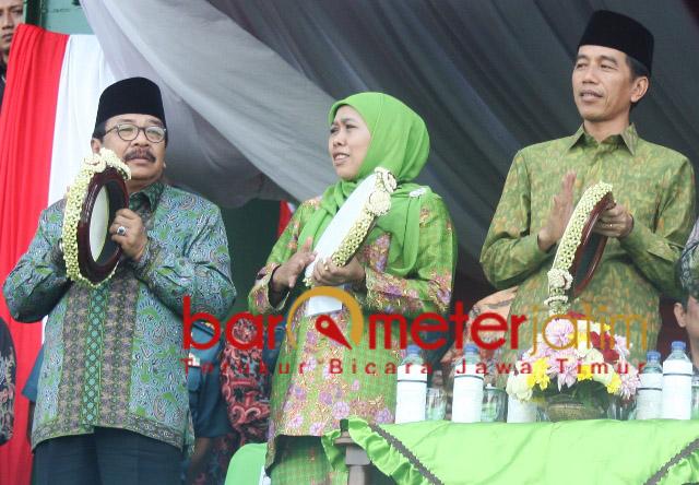 DUET KHOFIFAH-PAKDE KARWO: Khofifah dan Pakde Karwo jadi andalan kubu Jokowi untuk memaksimalkan marking area di Jawa Timur.   Foto: Barometerjatim.com/DOK/ROY HASIBUAN