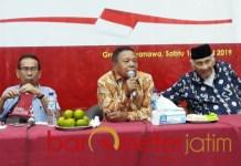Suharto (tengah), kedaulatan negara terancam, berharap Prabowo presiden. | Foto: Barometerjatim.com/roy hs