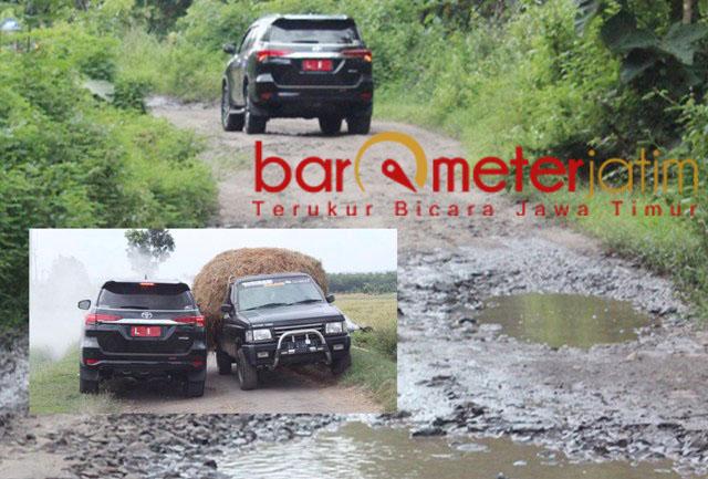 Mobil yang ditumpangi Khofifah menuju kawasan desa hutan di Desa Bendoasri, Nganjuk. | Foto: Barometerjatim.com/roy hs