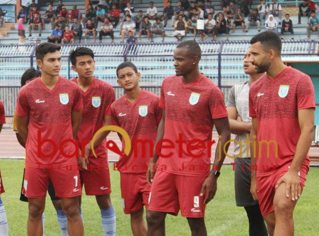 Pemain Persela saat sesi latihan. Besok, siap kalahkan Madura United. | Foto: Barometerjatim.com/dani iqbaal