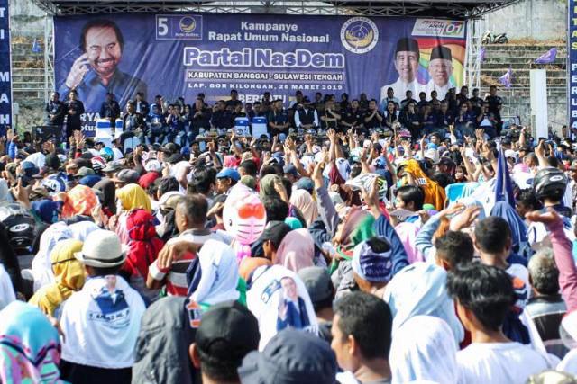 20 ribu-an massa kampanye Partai Nasdem di Banggai, Sulawesi Tengah, Selasa (26/3/2019). | Foto: Ist