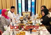 Gus Hans saat mendampingi Gubernur Khofifah bertemu Wali Kota Risma. | Foto: Barometerjatim.com/dok