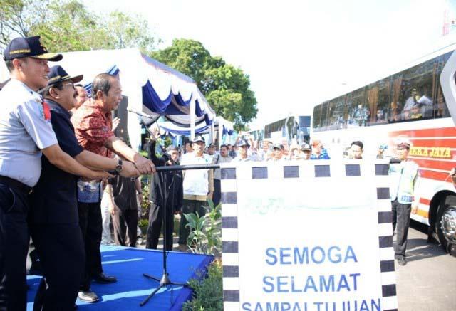 Mudik gratis tahun lalu yang digelar Pemprov Jatim. Sangat membantu masyarakat. | Foto: Ist