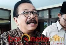 Pakde Karwo, politik uang menjadi titik lemah demokrasi di Indonesia.   Foto: Barometerjatim.com/abdillah hr