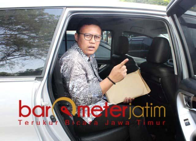SEKOLAH GRATIS DI JATIM: Ari Kusuma, apresiasi Khofifah yang menggratiskan SMA dan SMK se-Jatim. | Foto: Barometerjatim.com/ROY HS