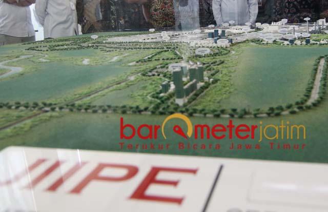 MAKET: JIIPE, role model kawasan Industri terintegrasi dengan infrastruktur lengkap.   Foto: Barometerjatim.com/ABDILLAH HR