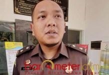 JALAN TERUS: Lingga Nuarie, proses hukum anggota DPRD terpilih tersangka korupsi jalan terus. | Foto: Barometerjatim.com/ABDILLAH HR