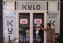 "TAK BERIZIN: Beroperasi tanpa izin, Kedai Kopi ""Kulo"" di Surabaya disegel Satpol PP. | Foto: IST"