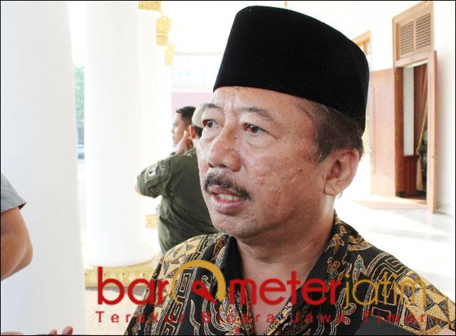 TERSANGKA JAPUNG: Bambang DH, tujuh tahun berstatus tersangka kasus Japung. | Foto: Barometerjatim.com/ROY HS