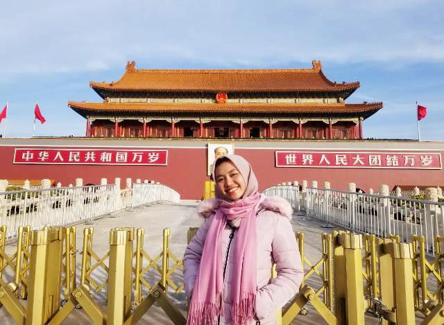 AMAN DARI VIRUS CORONA: Mahasiswi Unesa asal Lamongan, Pramesti Ardita Cahyani di Wuhan, China. | Foto: IST