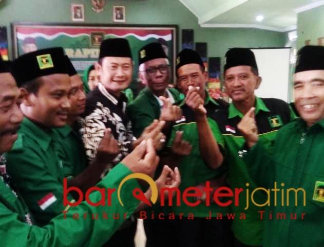 PILIHAN PAC PPP: Yuhronur Efendi (baju batik), pilihan PAC PPP Lamongan. | Foto: Barometerjatim.com/HAMIM ANWAR