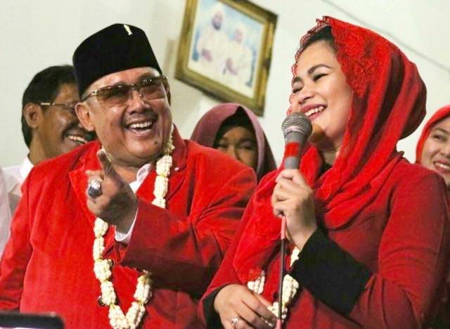 PILWALI SURABAYA 2020: Mat Mochtar bersama Puti Guntur, saatnya Kota Surabaya dipimpin cucu Bung Karno. | Foto: IST