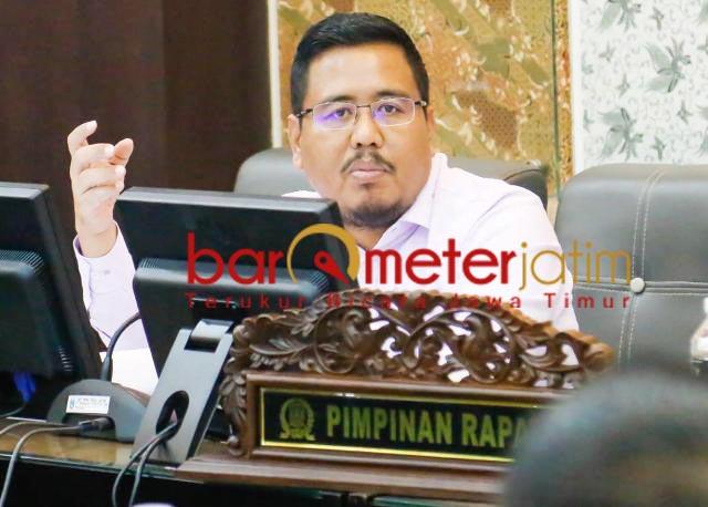 BERNUANSA POLITIK: Anwar Sadad, tak setuju wacana pembentukan Pansus Covid-19. | Foto: Barometerjatim.com/ROY HS